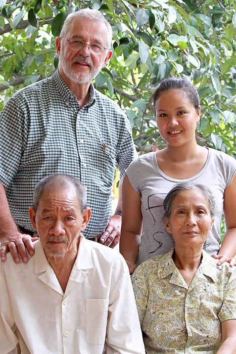 Ai Nhan Family 02